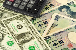Dollar-hedged ETFs outperform in land of weakening yen